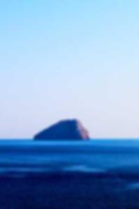 قدم صور يجرؤ عارية